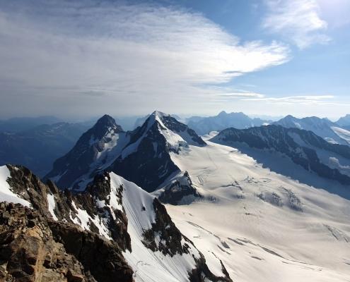 Eiger (li.) und Mönch von der Jungfrau